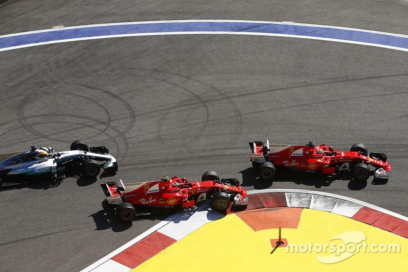 Sebastian Vettel, Ferrari SF70H, Kimi Raikkonen, Ferrari SF70H, Lewis Hamilton, Mercedes AMG F1 W08