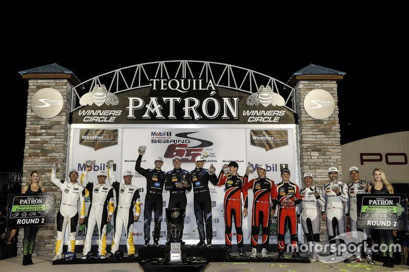 Podium der Klassensieger: 1. GTLM: #3 Corvette Racing, Chevrolet Corvette C7.R: Antonio Garcia, Jan