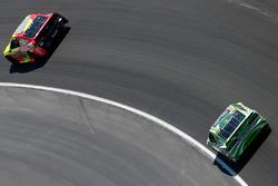 Dale Earnhardt Jr., Hendrick Motorsports, Chevrolet; Kyle Busch, Joe Gibbs Racing, Toyota
