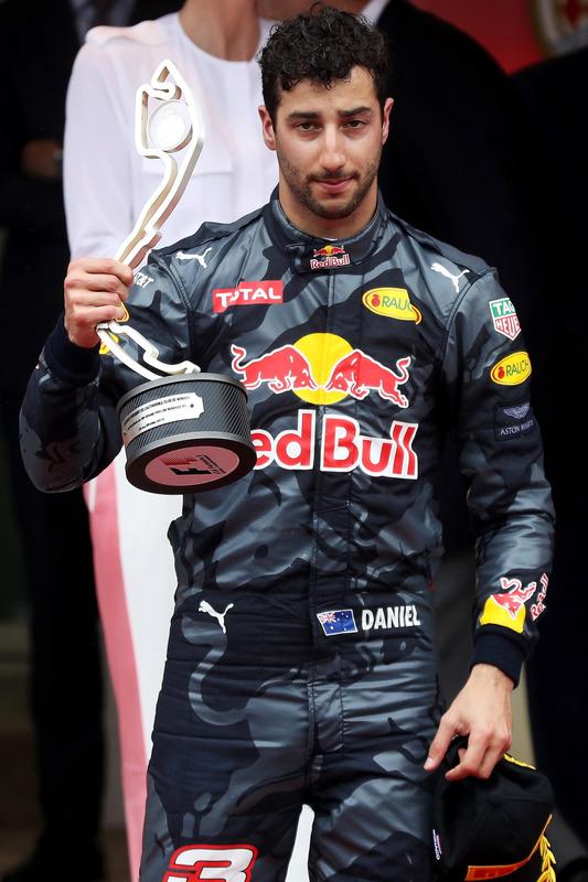 Daniel Ricciardo, Red Bull Racing, feiert auf dem Podium