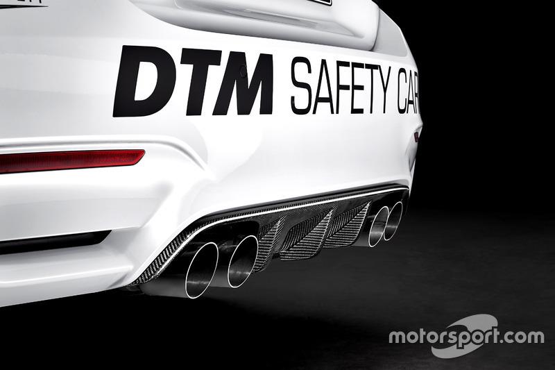 Машина безопасности BMW M4 GTS