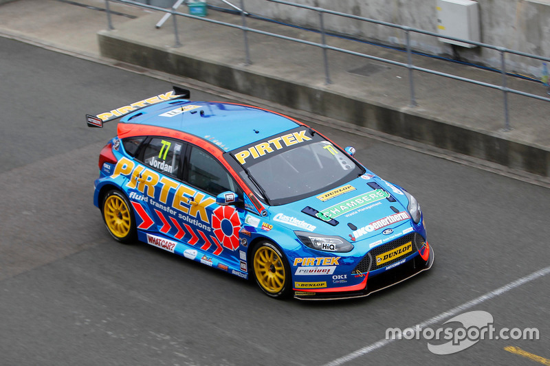 #77 Andrew Jordan, Pirtek Racing Ford Focus