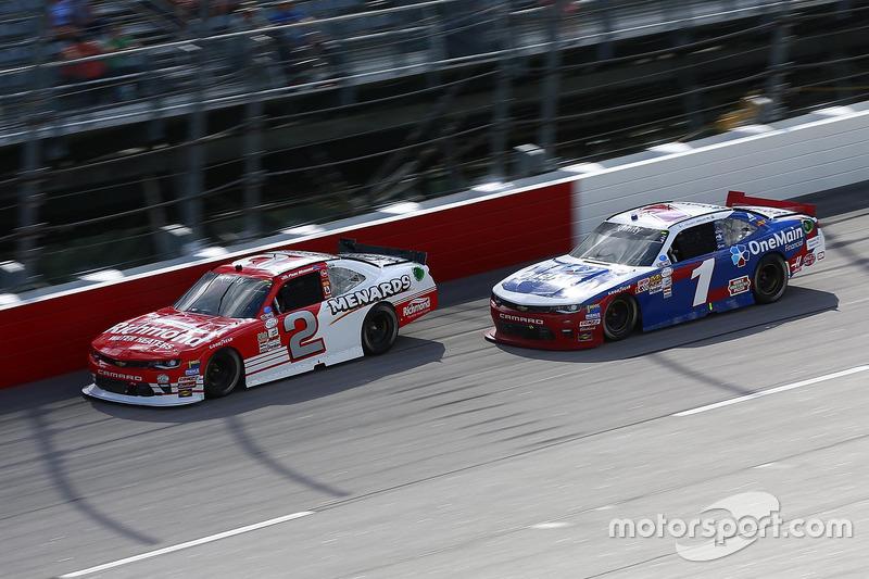 Paul Menard, Richard Childress Racing Chevrolet, Elliott Sadler, JR Motorsports Chevrolet