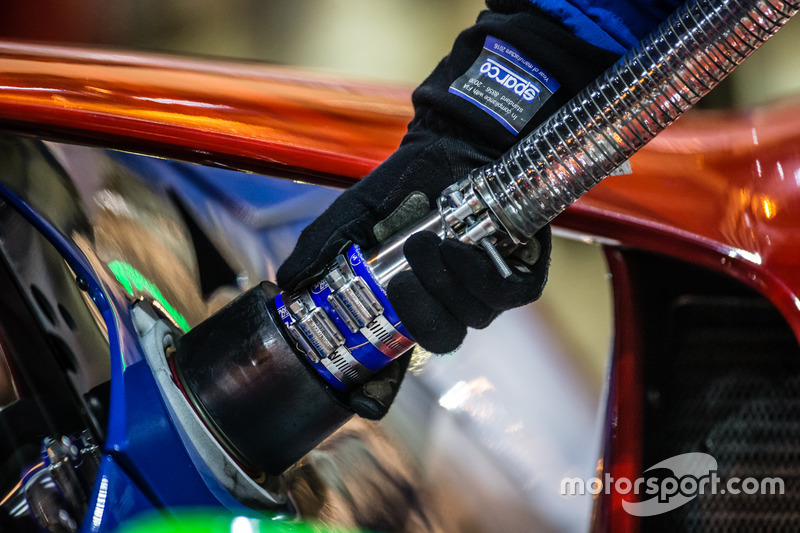 Заправляння #67 Ford Chip Ganassi Racing Ford GT