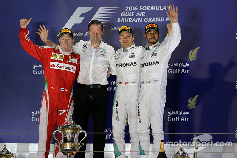 Podium: Sieger Nico Rosberg, Mercedes AMG F1 Team; 2. Kimi Räikkönen, Ferrari; 3. Lewis Hamilton, Me