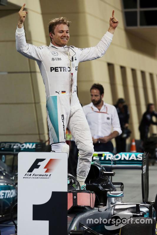 Race winner Nico Rosberg, Mercedes AMG F1 Team W07 celebrates in parc ferme