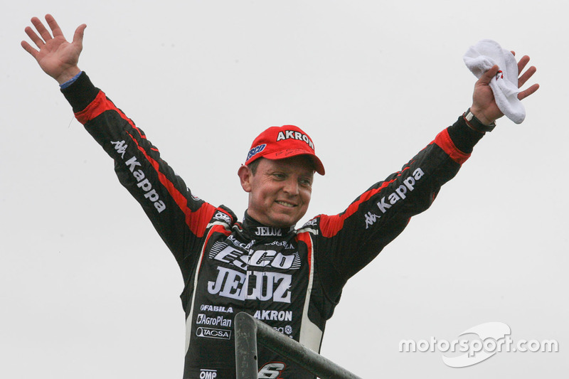 Race winner Guillermo Ortelli, JP Racing Chevrolet