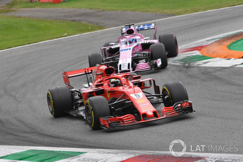 Sebastian Vettel, Ferrari SF71H y Sergio Perez, Racing Point Force India VJM11