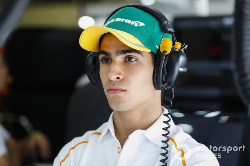 Sergio Sette Camara dans le garage McLaren