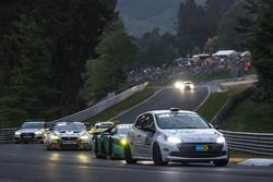 #125 Roadrunner Racing Renault Clio Cup: Junichi Umemoto, Kouichi Okumura, Mohammed Al Owais, Nadir Zuhour