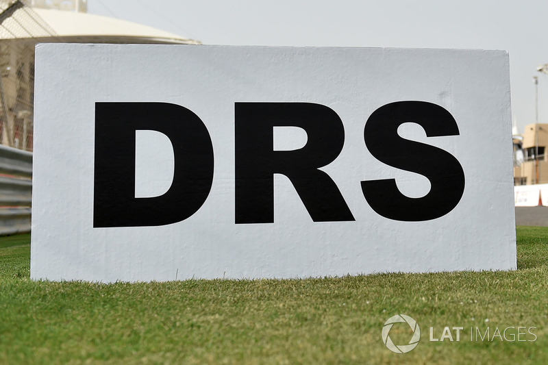 DRS marker sign