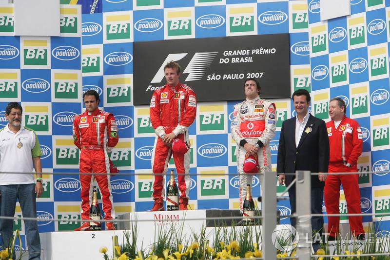 2007. Інтерлагос. Подіум: 1. Кімі Райкконен, Ferrari. 2. Феліпе Масса, Ferrari. 3. Фернандо Алонсо, McLaren Mercedes