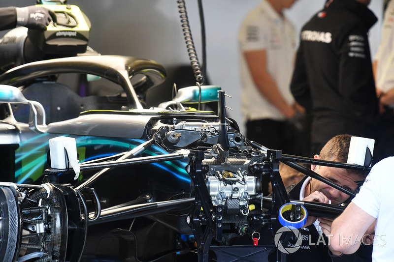 Detalle suspensión delantera Mercedes-AMG F1 W09