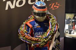 インディ500優勝リースとレーシングスーツ
