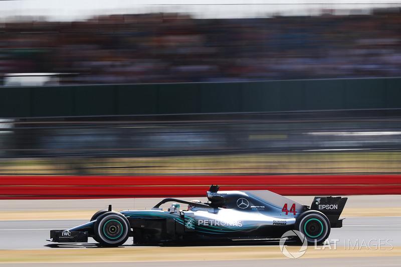 Ha disputado 218 Grandes Premios, 110 con McLaren y 108 con Mercedes.