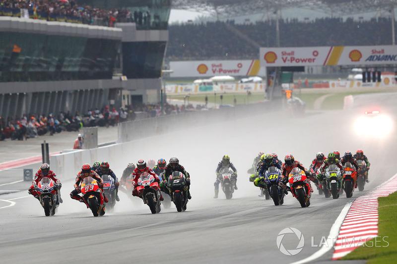 10. Arranque del Gran Premio de Malasia de MotoGP