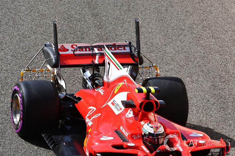 Kimi Raikkonen, Ferrari SF70H con sensores aerodinámicos en alerón trasero