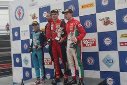 Подиум второй гонки, Артем Петров (DR Formula,Tatuus F.4 T014 Abarth #42), Йоб ван Эйтерт (Jenzer Motorsport,Tatuus F.4 T014 Abarth #16), Маркус Армстронг (Prema Power Team,Tatuus F.4 T014 Abarth #9