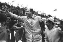 Winners Jose Froilan Gonzalez, Maurice Trintignant, Ferrari