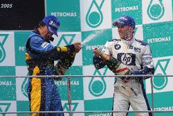 Podium: race winner Fernando Alonso, Renault, third place Nick Heidfeld, Williams
