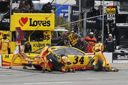 Michael McDowell, Front Row Motorsports, Ford Fusion Love's Travel Stops pit stop