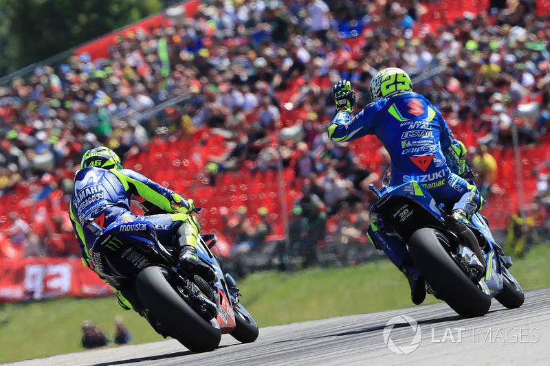 Валентино Россі, Yamaha Factory Racing , Андреа Янноне, Team Suzuki MotoGP