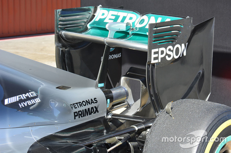 Mercedes AMG F1 W07 rear wing