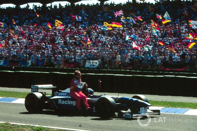 Hockenheim 1995: Rubens Barrichello (Jordan) menumpang David Coulthard (Williams)