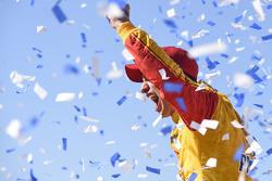 Race winner Joey Logano, Team Penske, Ford Fusion Shell Pennzoil