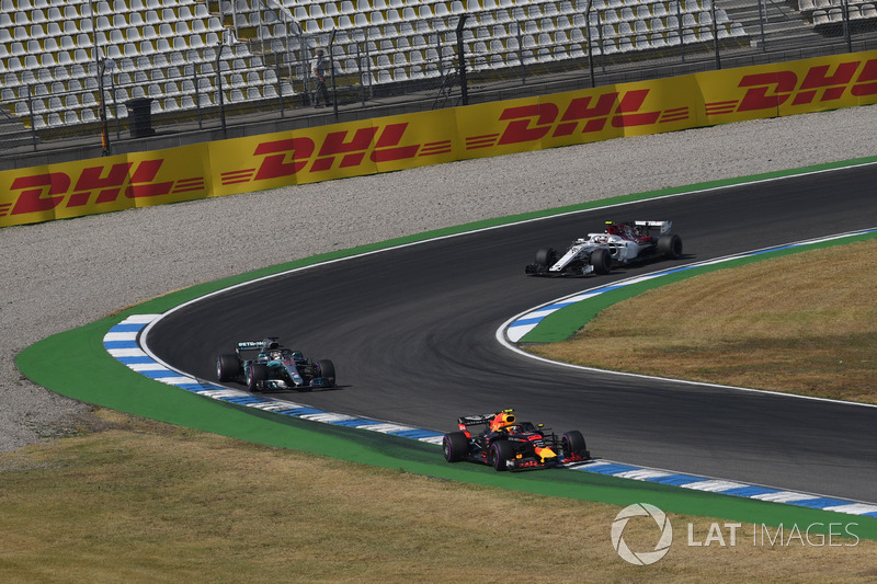 Max Verstappen, Red Bull Racing RB14, Lewis Hamilton, Mercedes-AMG F1 W09 and Charles Leclerc, Sauber C37