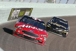Kurt Busch, Stewart-Haas Racing Ford, Corey LaJoie, BK Racing Toyota