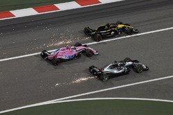 Lewis Hamilton, Mercedes-AMG F1 W09 EQ Power+, Esteban Ocon, Force India VJM11 et Nico Hulkenberg, Renault Sport F1 Team R.S. 18