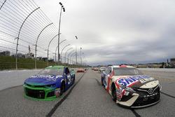 Pace-Laps: Kyle Busch, Joe Gibbs Racing Toyota Camry, Ryan Newman, Richard Childress Racing Chevrole