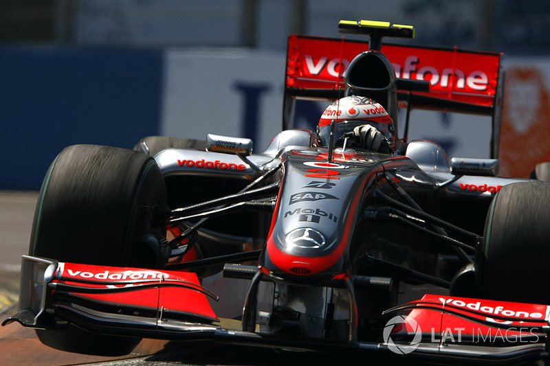 2009: McLaren MP4-24 Mercedes (две победы, 3-е место в КК)