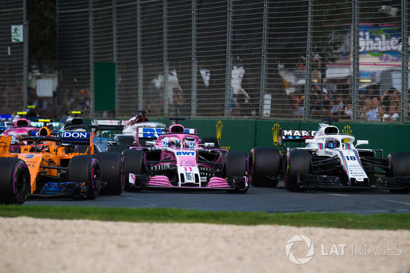 Sergio Perez, Force India VJM11 ve Lance Stroll, Williams FW41