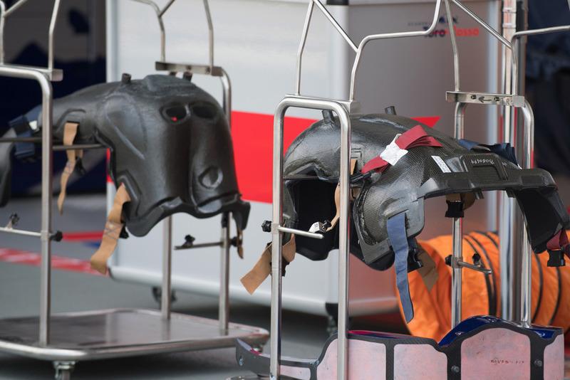 Piezas del STR13 de la Scuderia Toro Rosso