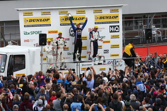 Podium, Ricky Collard, WSR BMW, Colin Turkington, WSR BMW and Aiden Moffat, Laser Tools Racing Mercedes A-Class