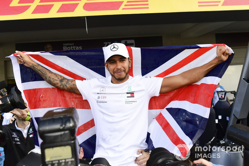 Lewis Hamilton, Mercedes AMG F1, celebra su quinto mundial con el equipo