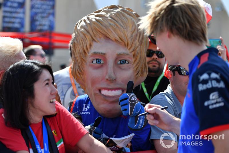 Брендон Хартлі, Toro Rosso, з власною карикатурою