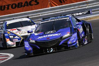 #100 Team Kunimitsu Honda NSX Concept GT: Naoki Yamamoto, Jenson Button leads #1 Team Tom's Lexus LC500: Ryo Hirakawa, Nick Cassidy