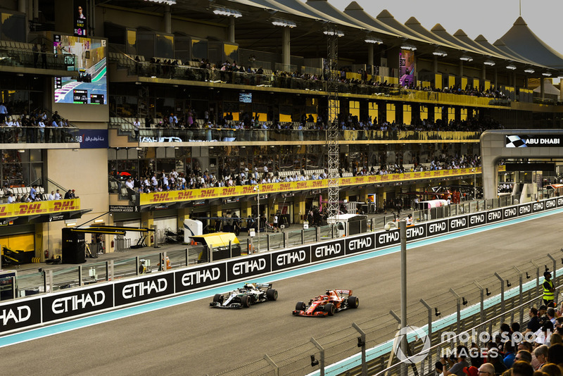 Valtteri Bottas, Mercedes AMG F1 W09 EQ Power+, Sebastian Vettel, Ferrari SF71H