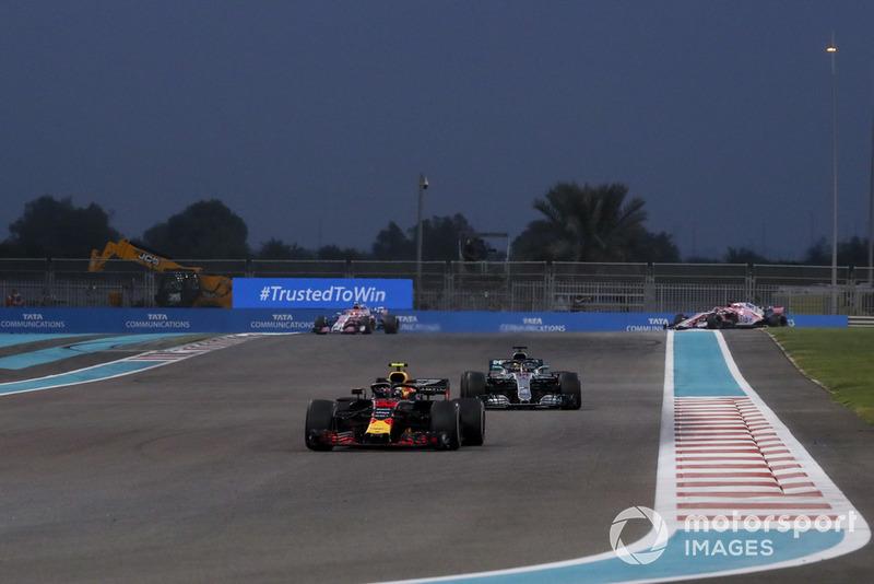 Макс Ферстаппен, Red Bull Racing RB14, Льюіс Хемілтон, Mercedes AMG F1 W09