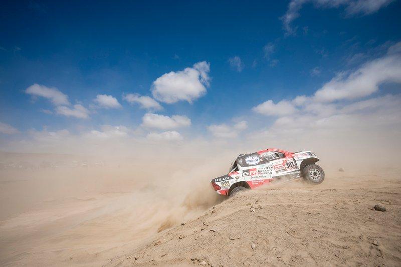 #301 Toyota Gazoo Racing Toyota Hilux: Нассер Аль-Аттія, Маттьйо Бомель