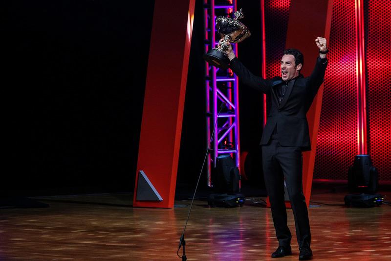بطل العالم سيمون باجينو،  بينسكي