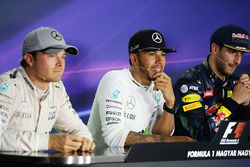 Press conference: winner Lewis Hamilton, Mercedes AMG F1 Team, second place Nico Rosberg, Mercedes A