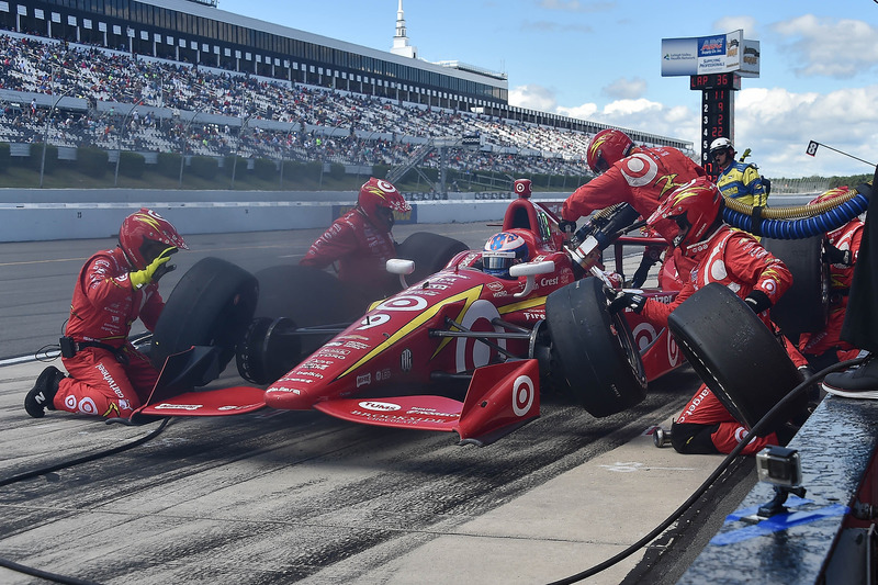 Scott Dixon, Chip Ganassi Racing Chevrolet, pit stop