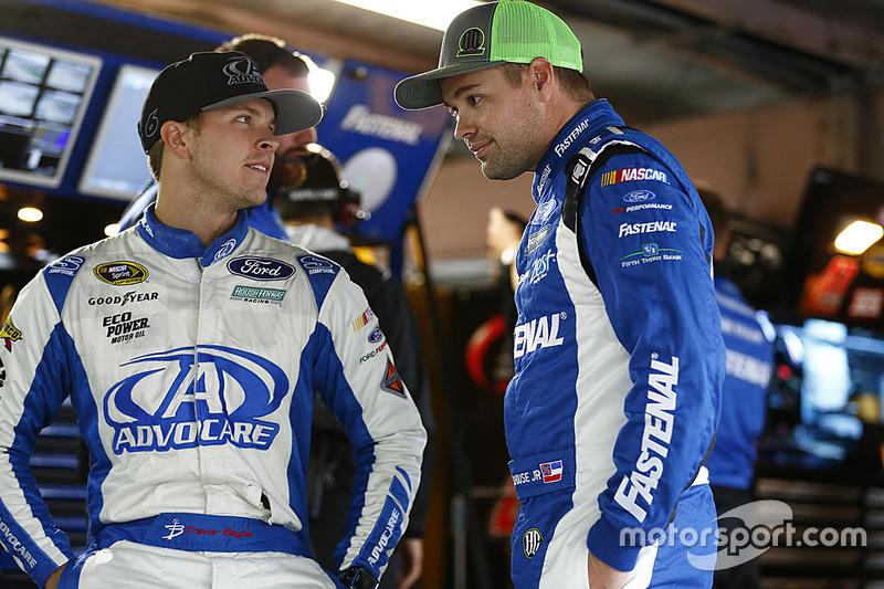 Trevor Bayne, Roush Fenway Racing, Ford; Ricky Stenhouse Jr., Roush Fenway Racing, Ford