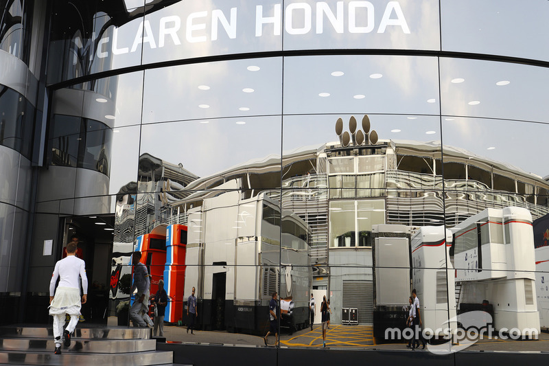 Jenson Button, McLaren enters the Brand Centre
