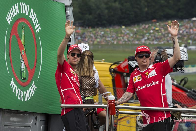 Себастьян Феттель, Кімі Райкконен, Ferrari on the drivers parade