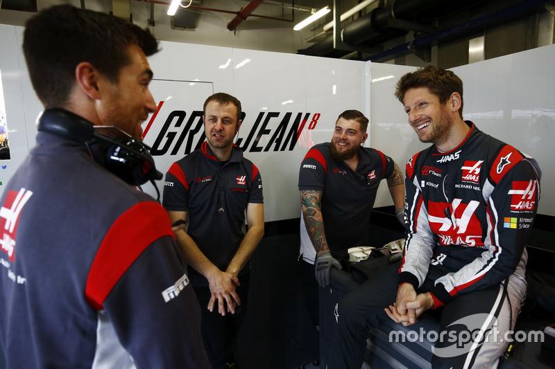Romain Grosjean, Haas F1 Team, with team mates